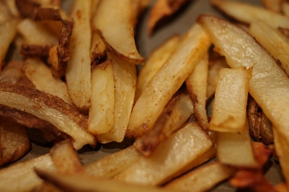 SPICY BAKED FRIES recipe