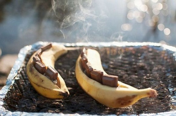 Chocolate stuffed bananas on the grill recipe picture 1