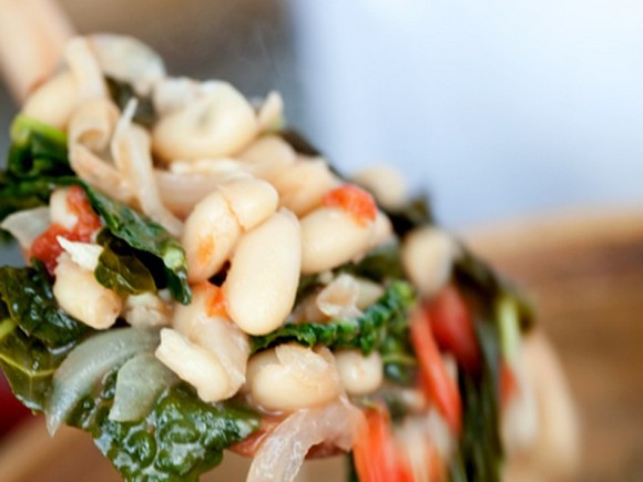 Tuscan Kale and White Bean Ragout recipe