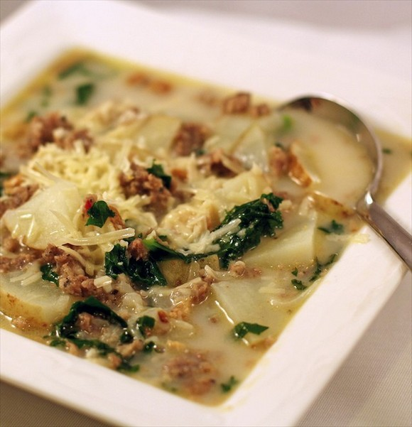 Zuppa Toscana (Italian Potato Sausage Soup) recipe by Butter, with a side of Bread