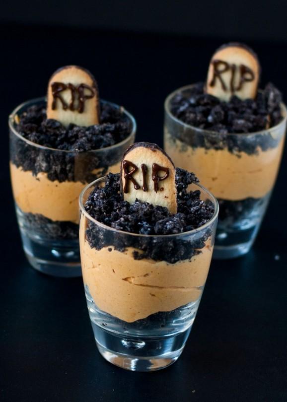 Pumpkin Dirt Pudding (Graveyard Parfaits) recipe photo