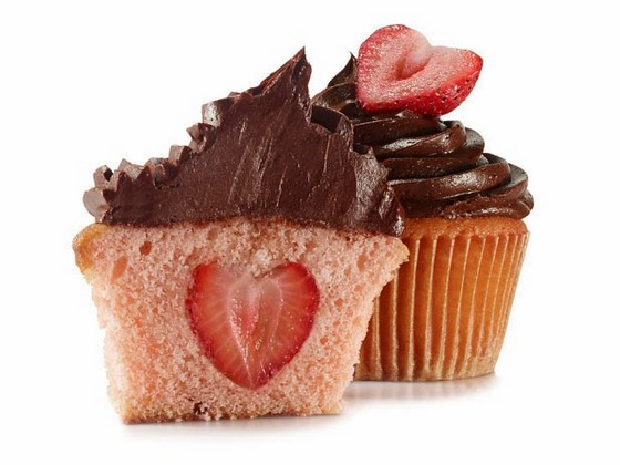 Valentine's Day Strawberry Cupcakes recipe photo