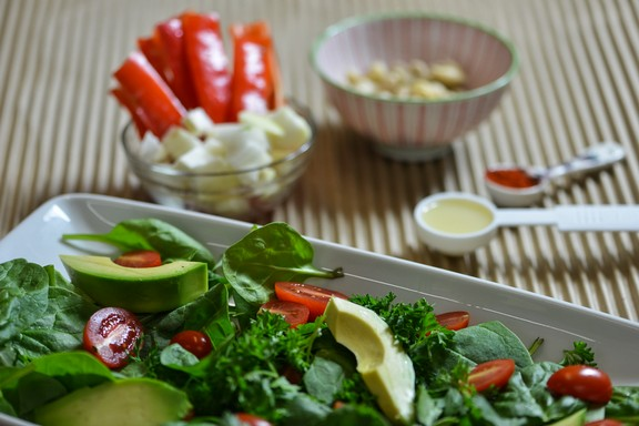 Avocado Tomato Salad with Hot Stuff Dressing recipe