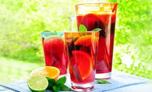 Fruity Christmas Punch from Recipes Reloaded