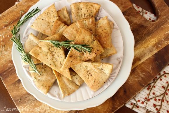 Crispy Oven Baked Rosemary Pita Chips