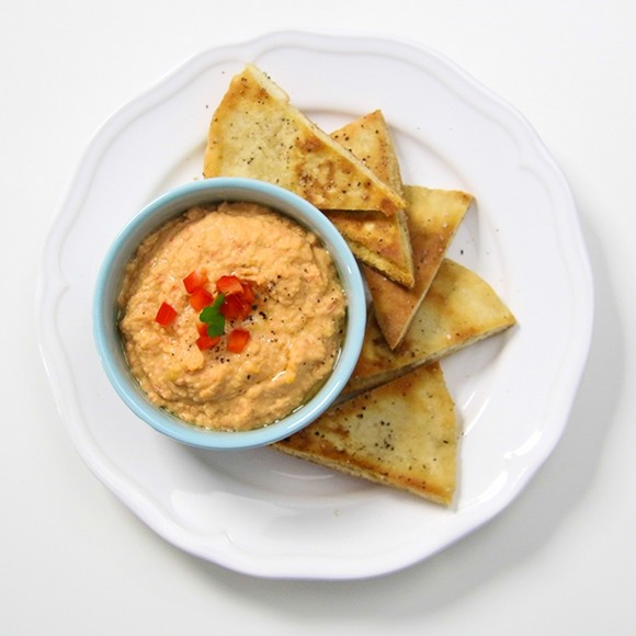 Pita Chips with Roasted Red Pepper Hummus