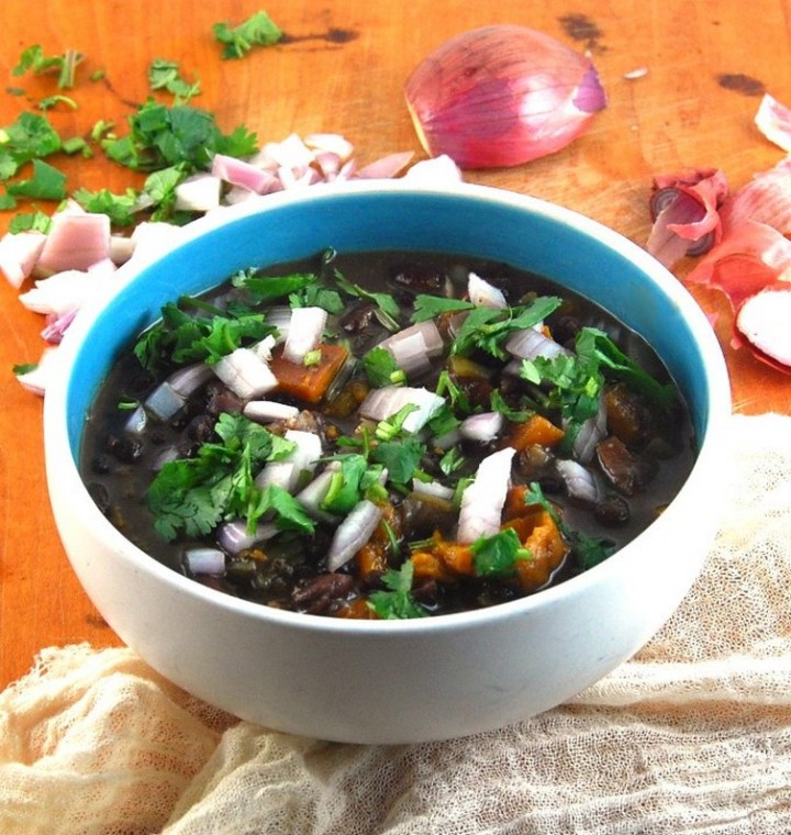 Crockpot Fat-Free Cuban Black Bean Stew