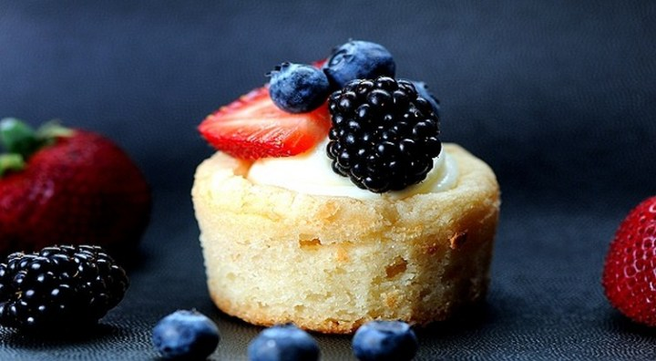 Sugar Cookie Cups with Cheesecake and Fruit