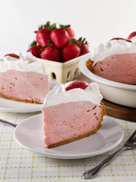http://toriavey.com/toris-kitchen/2015/09/strawberry-chiffon-pie/