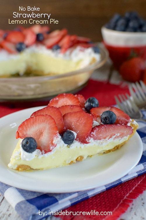 http://insidebrucrewlife.com/2015/06/no-bake-strawberry-lemon-cream-pie/