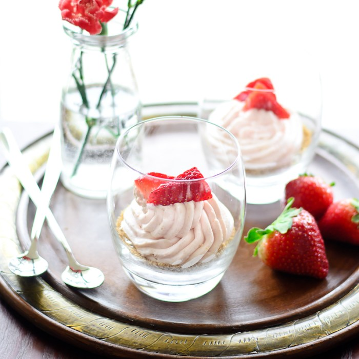 http://www.justputzing.com/2015/02/strawberry-cream-pie-cups-and-a-valentines-day-giveaway.html