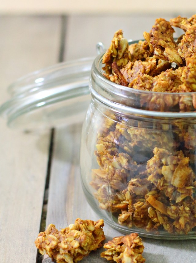 Pumpkin Spice Granola (and a Parfait)