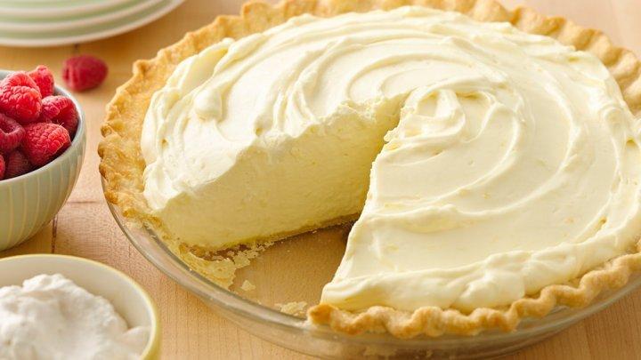 November 29: National Lemon Creme Pie Day