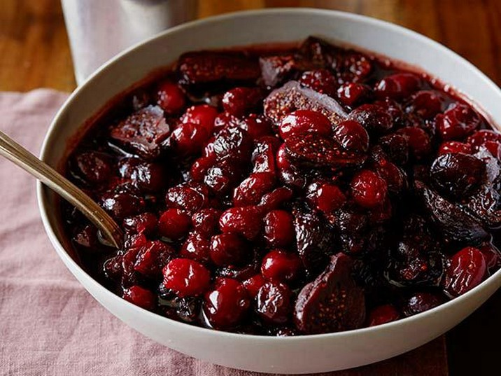 Cranberry Sauce with Pinot and Figs Recipe