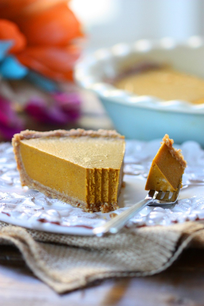 vegan-pumpkin-pie-recipe-from-thespunkycoconut