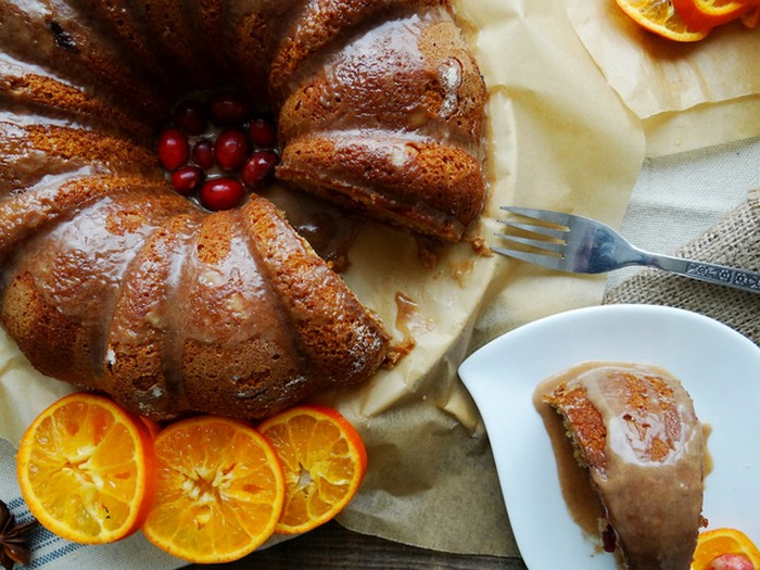 Cranberry Citrus Bundt With Cinnamon Glaze