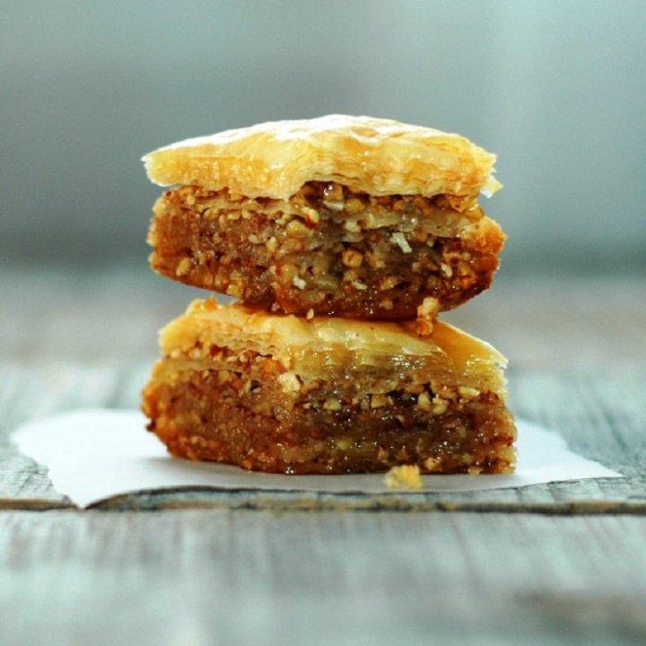 Cinnamon and Nuts Baklava Recipe