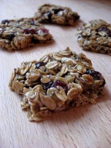 https://www.amynewnostalgia.com/chewy-no-bake-granola-bars/