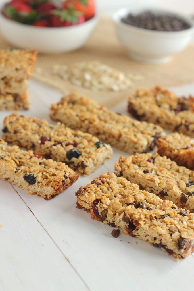 http://carmelmoments.com/mixed-berry-chocolate-chip-granola-bars/