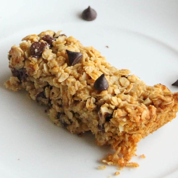http://brownthumbmama.com/2010/09/best-homemade-granola-bars.html