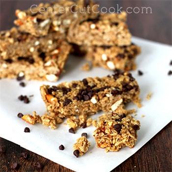 http://centercutcook.com/peanut-butter-chocolate-chip-granola-bars/