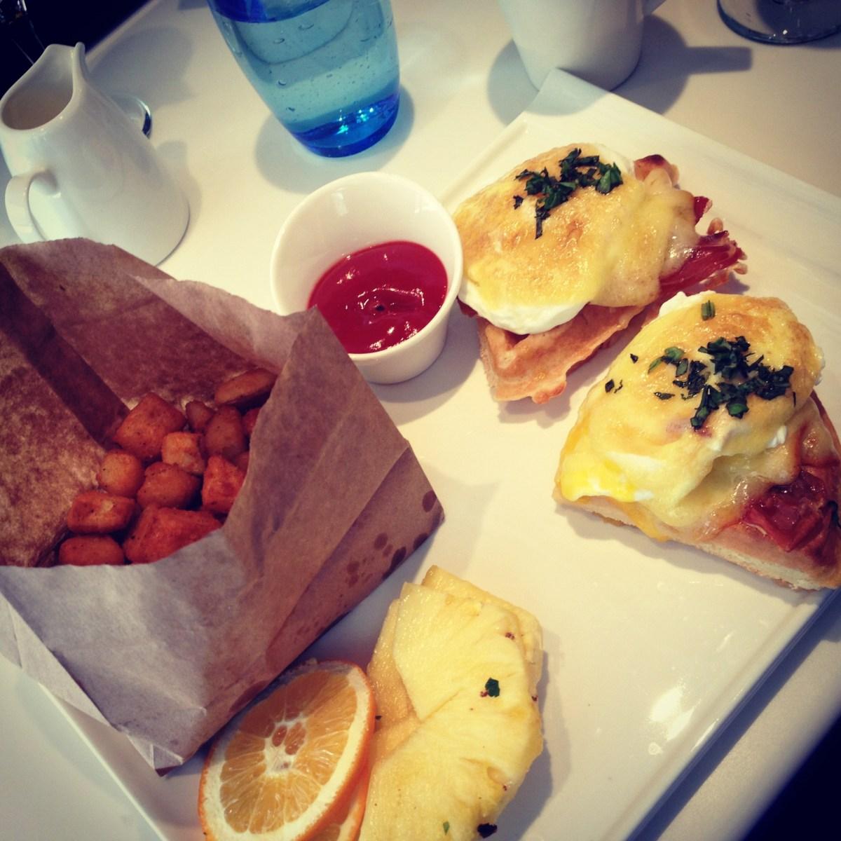 Waffles Benedict Tempo Halifax