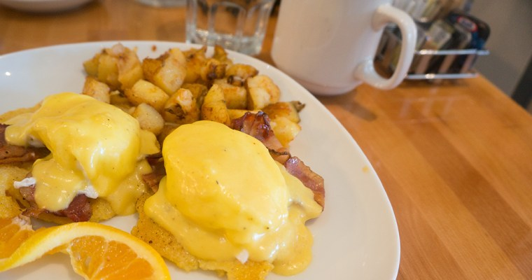 Brunch at Hollandaise Diner | Toronto