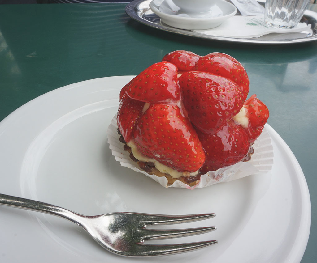 Strawberry Tart at Tomasellis Salzburg