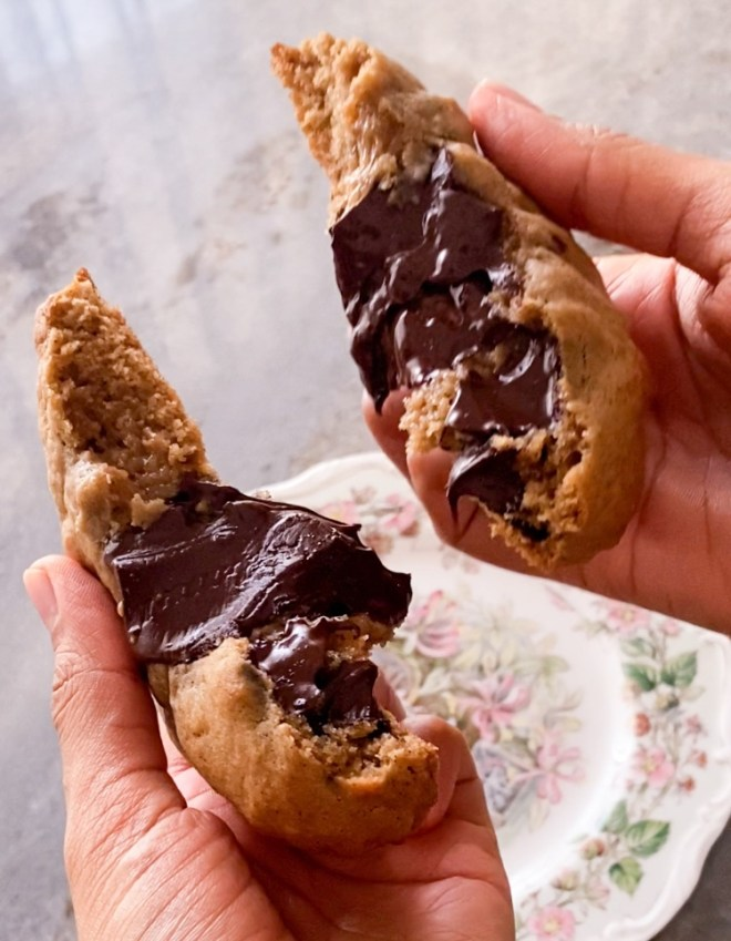 eggless levain bakery style chocolate chip cookies