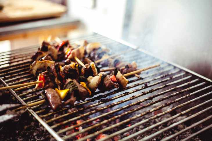 barbecues on grill