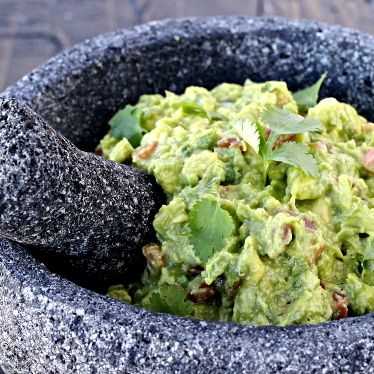Super Bowl Snacks- Game Day Guacamole | @foodiephysician