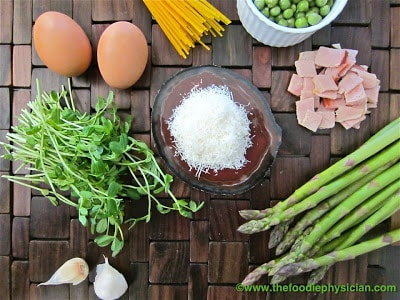 Spring Vegetable Spaghetti Carbonara | @foodiephysician