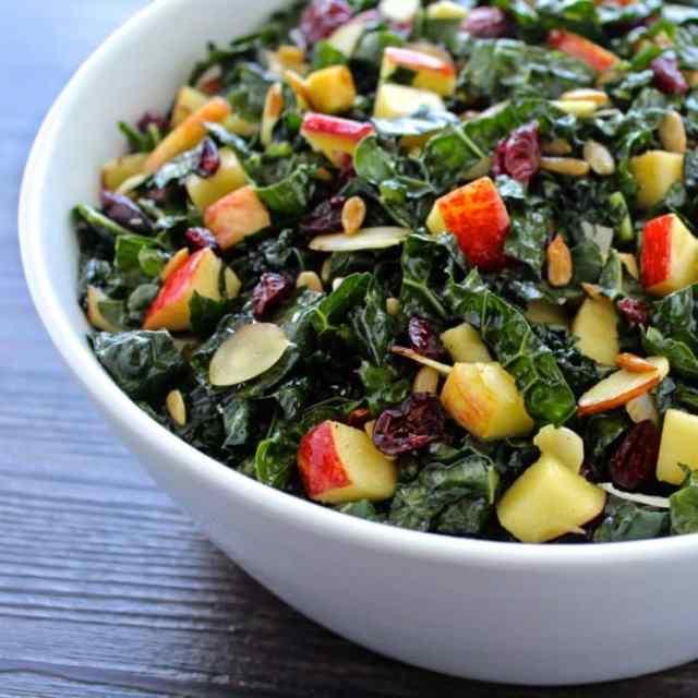 Tuscan Kale and Apple Salad | @foodiephysician