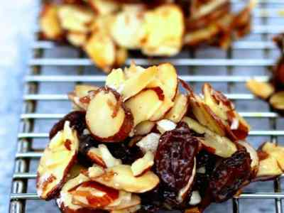 Dining with the Doc: Holiday Almond Raisin Clusters