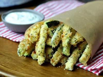 Cooking with Sienna:  Crispy Baked Zucchini Fries