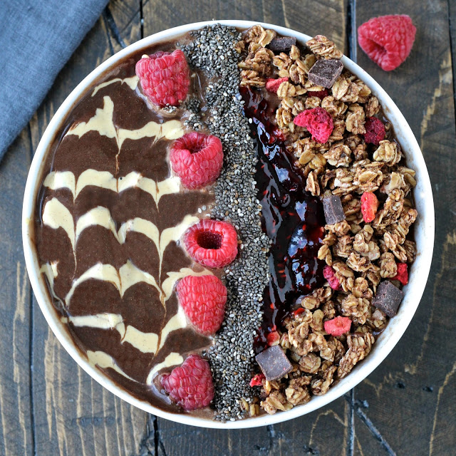 Chocolate Peanut Butter & Jelly Smoothie Bowl | @foodiephysician