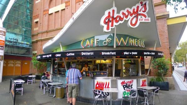 Harry's Cafe de Wheels | thefoodpilgrim