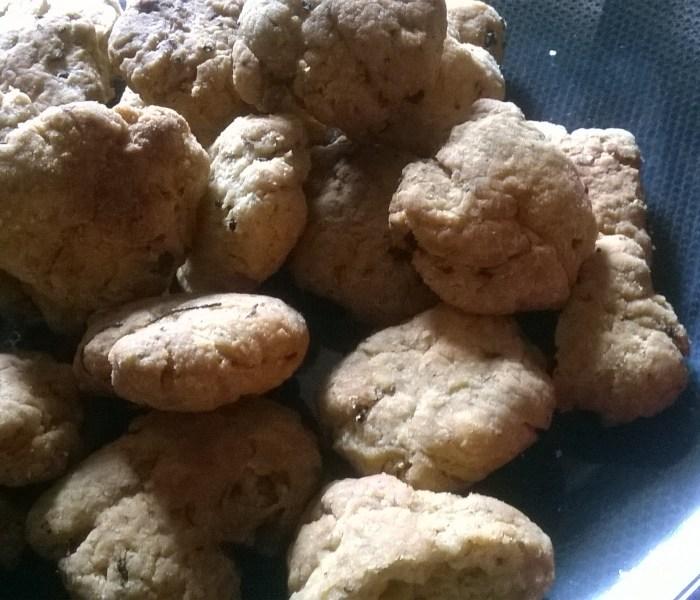 Masala Methi Mathri(Fenugreek spiced pastry rounds)