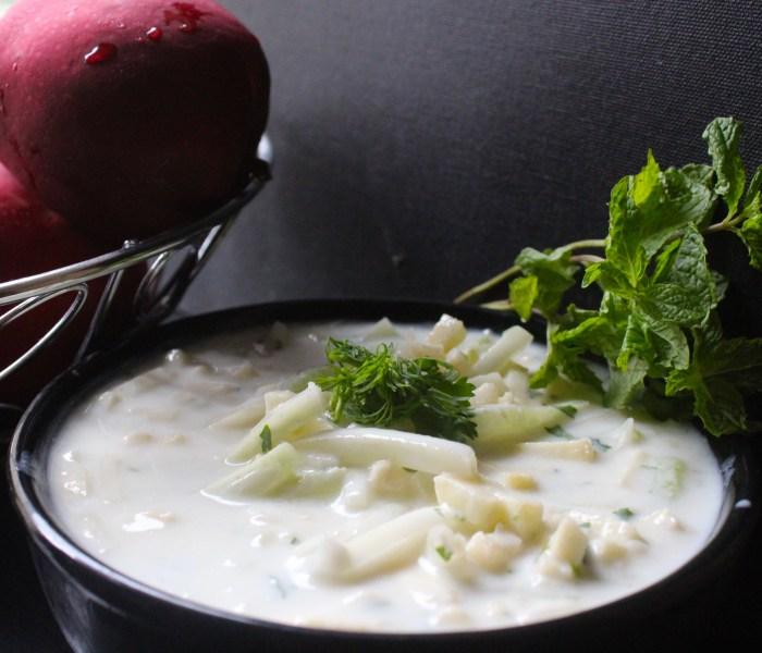 Apple – Cucumber Raita (Crispy Apples and fresh Cucumbers in great tasting Yogurt)