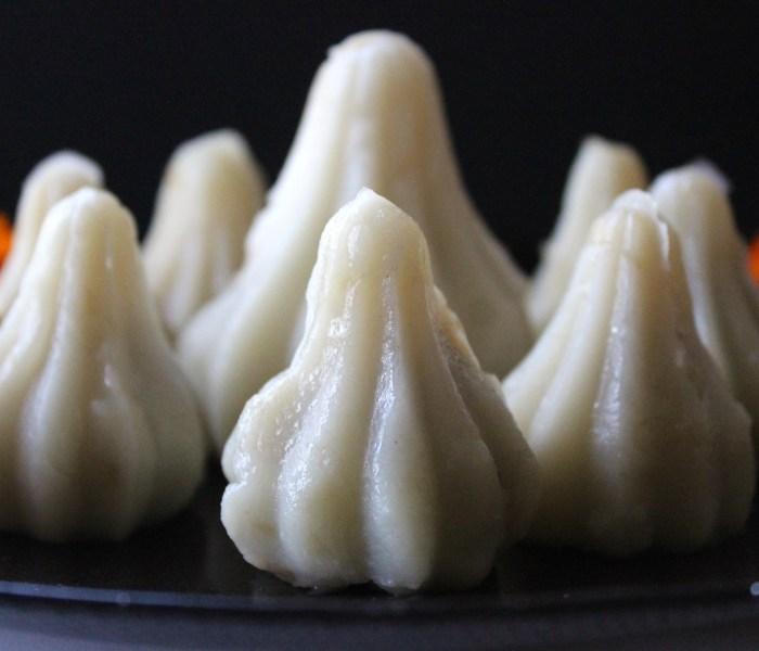 Ukdiche Modak/Rice Flour and Jaggery Dumplings