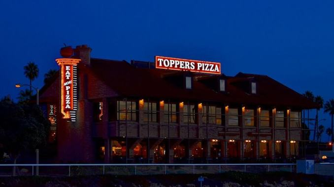 Toppers Pizza restaurant
