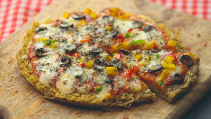 Maggi Pizza with Egg