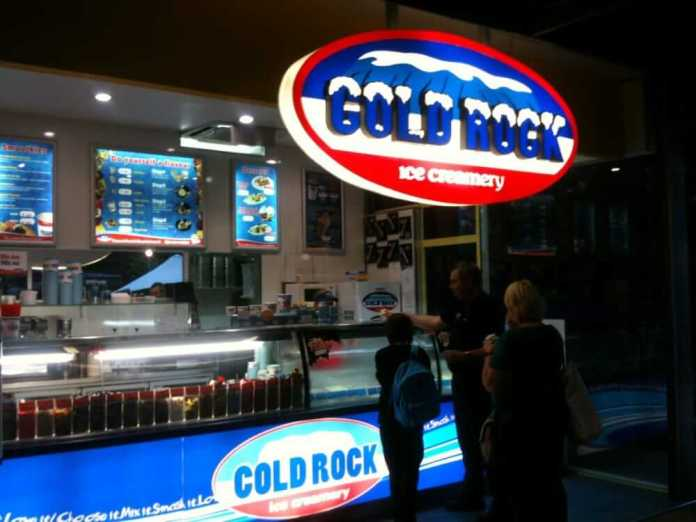 cold rock ice cream franchise
