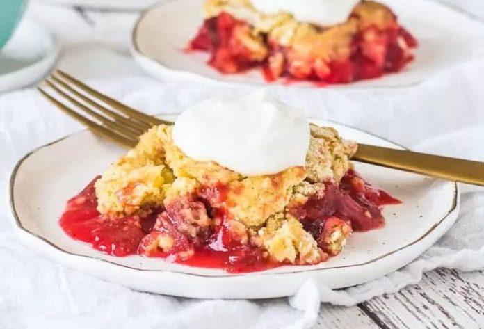 Strawberry Rhubarb Dump Cake recipe