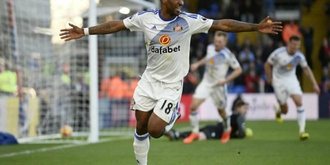 Jermaine Defoe scores a brace for Sunderland to sink Crystal Palace 4-0