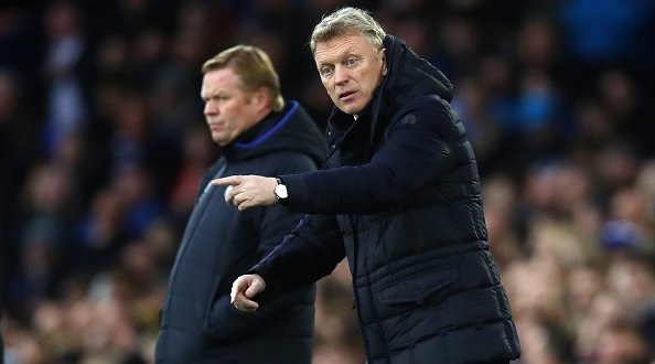 David Moyes manages his Sunderland side upon his return to Goodison Park against Everton