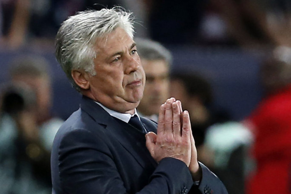 Ancelotti thinks Mourinho will stay at Chelsea