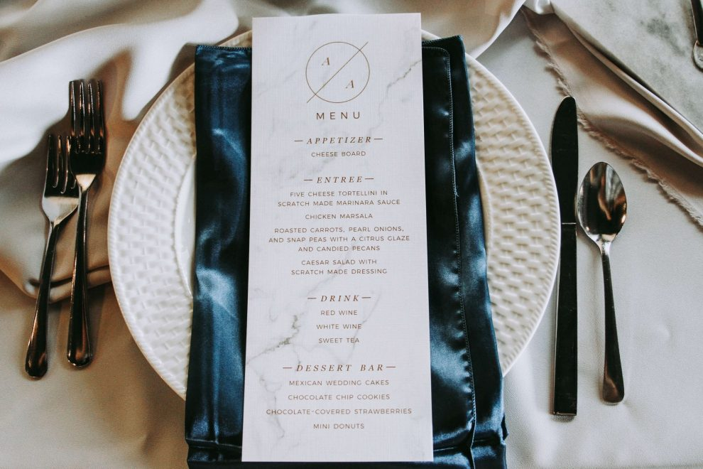 The menu card and table decor was elegant and simple.