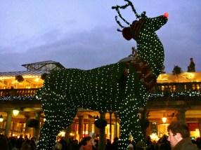 Giant Reindeer, Covent Garden