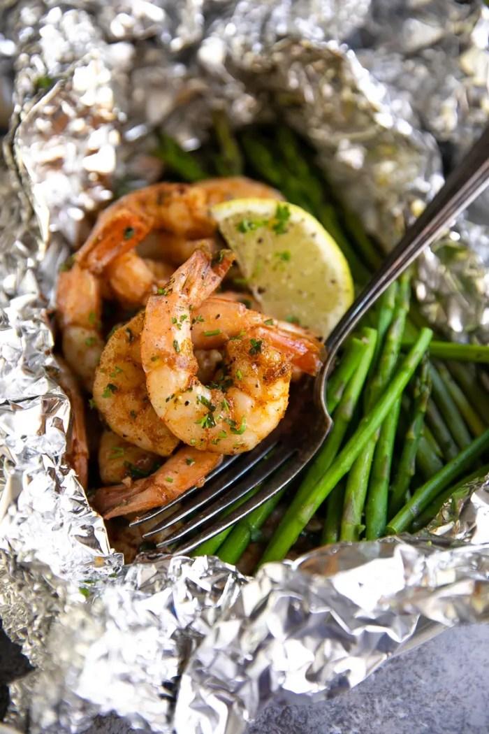 Cajun shrimp and asparagus foil packets